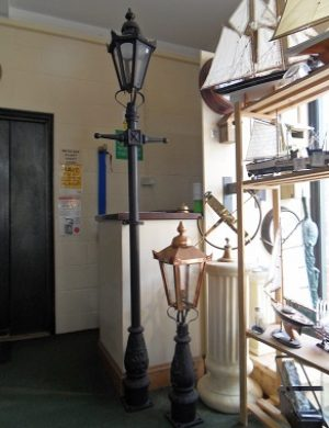 Small Lamp Post With Either Black or Copper Lantern